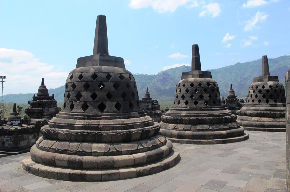 Borobudur, Java, Indonesia (image by Damon Ramsey, www.ecosystem-guides.com)