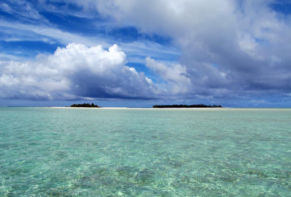 one of the beautiful atoll lagoons in the Cook Islands (image by Damon Ramsey, www.ecosystem-guides.com)